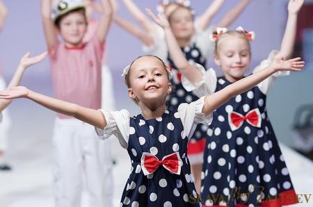 Благотворительный показ-концерт прошел в Доме моды Вячеслава Зайцева