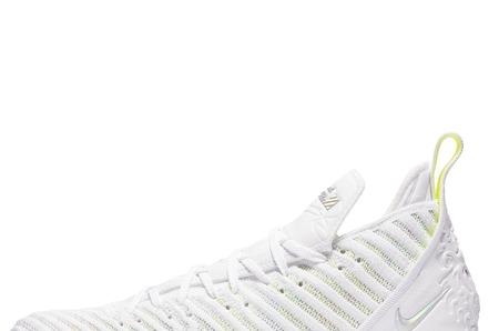 Новинки STREET BEAT SPORT: мужские кроссовки Nike Lebron XVI