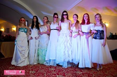 Солнцезащитные очки Italia Independent  на  показе  дизайнера Екатерины Коростелёвой