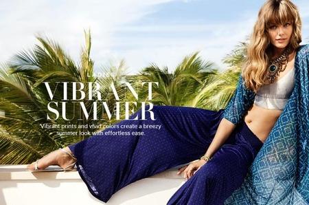 Фрида Густавссон и Эмануэла де Паула снялись для летнего лукбука H&M