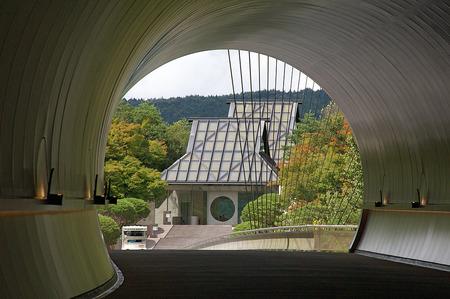 Дом Louis Vuitton отправляется с показом в Японию