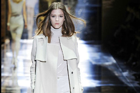 Возрождение стиля Гуччи (Gucci) на Неделе моды в Милане.