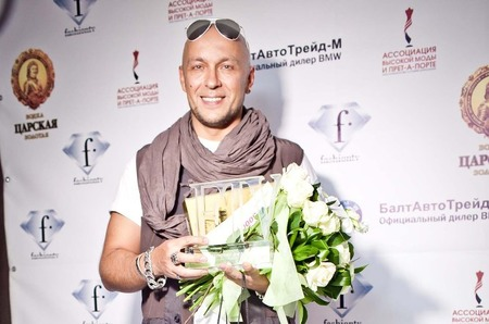 "Fashion Summer Awards 2011. IGOR GULYAEV - ""Дизайнер года"""