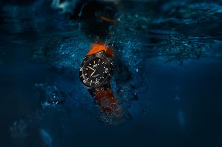 Новые часы Oris Aquis Date Orange