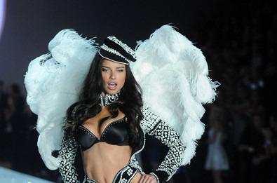Грандиозный модный показ Victoria's Secret Fashion Show