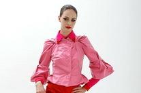 Как носить красное с розовым: модный тренд в повседневном гардеробе