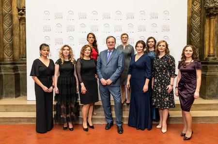 Модная премия: L'ORÉAL-UNESCO наградил женщин-ученых
