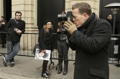 Известный уличный фотограф Скотт Шуман собирается выпустить книгу