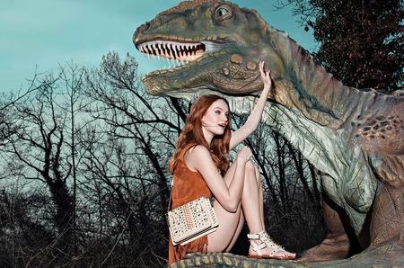 Модница и динозавр в новой кампании TWINSET