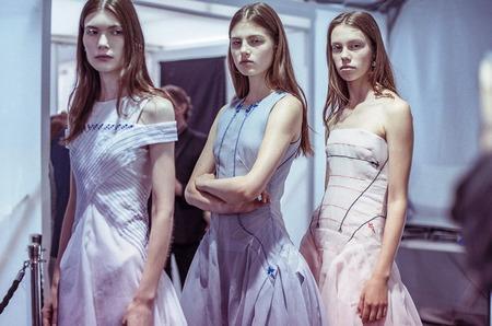 За кулисами шоу: backstage показа Dior Haute Couture осень 2014