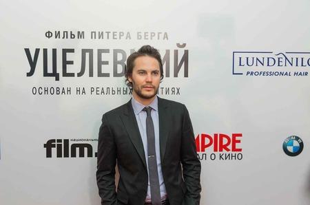 Тейлор Китч представил в Москве новый фильм и уехал на Олимпиаду в Сочи