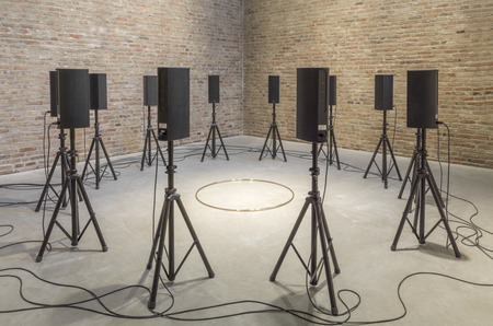 Международная выставка современного искусства и иммерсивного опыта впервые будет показана на Винзаводе