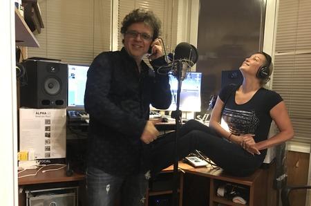 Анастасия Волочкова и Рома Жуков записали совместную песню ко дню всех влюбленных.