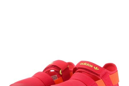Новинки в STREET BEAT KIDS: детские сандалии adidas Originals Doom Sandal I