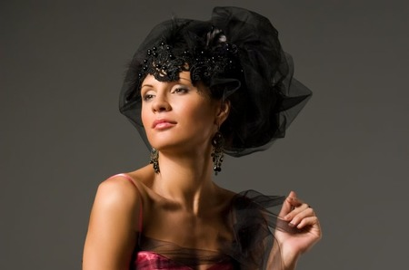 Праздничные скидки на покупку и прокат вечерних платьев IrisRose