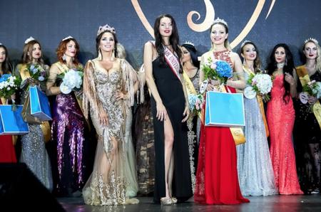 В Москве выбрали самую красивую замужнюю россиянку на конкурсе «Миссис Россия-Вселенная - 2018»