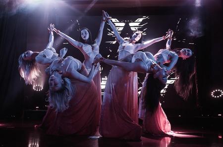 В Москве состоялось грандиозное открытие кабаре «Le Rouge»!