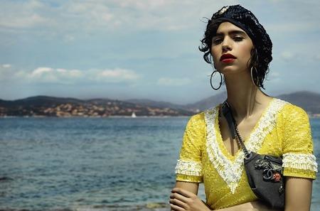 Дом Chanel представил кампанию кубинской коллекции