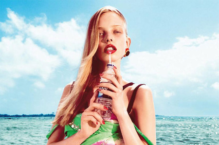 Морская фотосессия Тани Дягилевой для Harper's Bazaar Spain