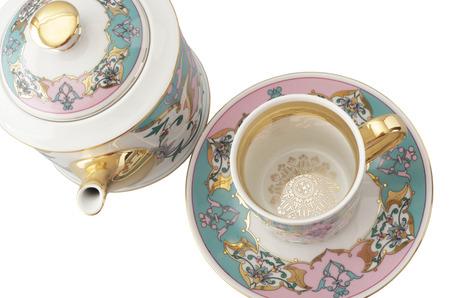 Для любимых: Rudolf Kampf выпустил коллекцию посуды с арабесками