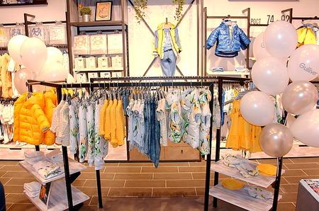 Поздравить Gulliver с открытием крупнейшего магазина пришли пришли блогеры и звездные родители