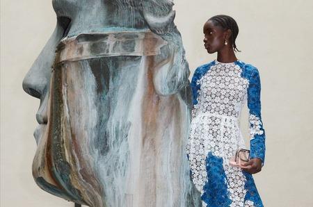 Дом Valentino посвятил капсулу делфтскому фарфору