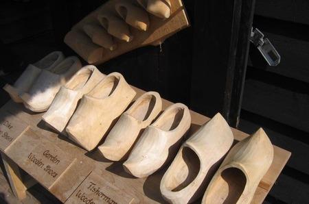 Триольский танец в деревянных башмаках