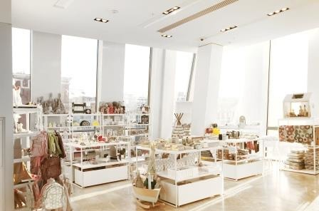 Первый розничный магазин Bunny Hill  в Универмаге Цветной