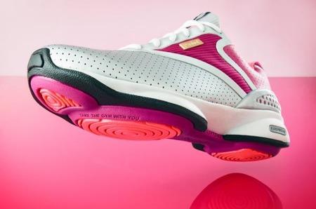 Новые кроссовки EasyTone от REEBOK помогут женщинам обрести новую форму