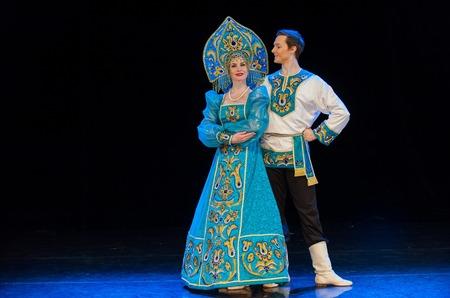 Арт-маршрут: опера и гусли в Аптекарском огороде