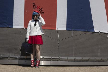 Стрит-стайл: безумные шляпки от Лондона до Парижа