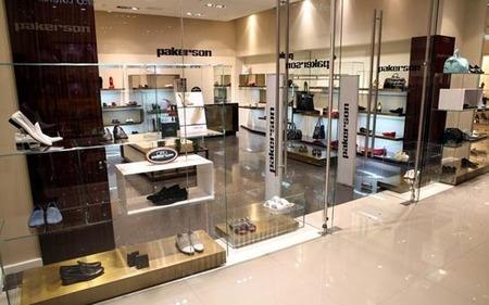 В Москве открылся первый монобрендовый бутик Lise Charmel в России изоражения