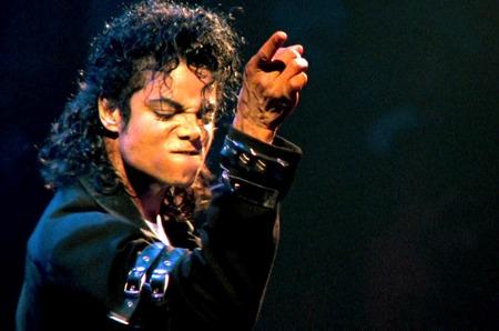 Дом Louis Vuitton посвятит коллекцию Майклу Джексону