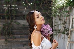 На обложке L'Officiel Wedding появилась московская модель Алена Ванни