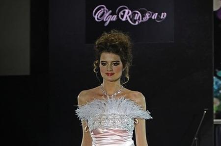Самые актуальные свадебные платья 2012