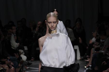 Givenchy Черно-белое настроение