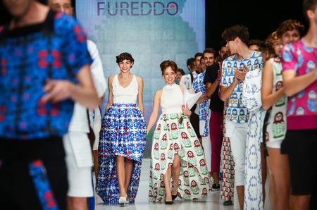 22 октября на MBFW состоялся показ немецкого бренда FUREDDO, который  представил дебютный показ в России. Коллекция весна-лето 2016 рассчитана на  любой ... fea94a5b954