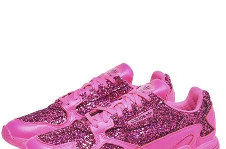 Новинки в STREET BEAT: женские кроссовки adidas Originals Falcon