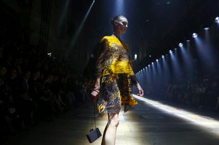 Неделя моды в Париже. Весна-лето 2015. Лучшие показы за три дня