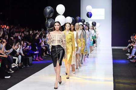 ae6924466fbd 25 марта в Гостином дворе завершился пятый день 37-й «Недели моды в Москве. Сделано  в России», которая проводится Ассоциацией Высокой моды и Прет-а-порте ...