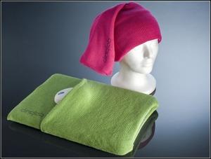 9. Шапка, шарф, и чехол для ноутбука.