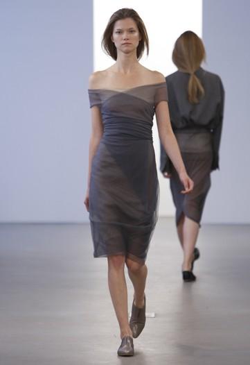 9a0fef94befa «Прозрачная» круизная коллекция Франциско Коста для Calvin Klein