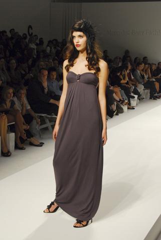 820ea8d7d329 Американская актриса Лорен Конрад закрывает линию модной одежды
