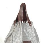 сумка-мешок из кожи и текстиля.