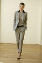 Женский деловой костюм 2011 в мужском стиле.