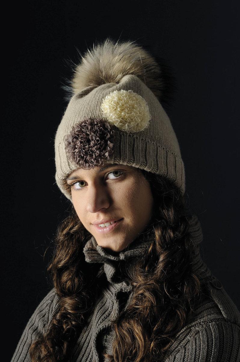 Описание: Плетените шапки с пом-пон от.