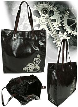 Не все ваять сумочки из кожи, не все украшать их только логотипами.