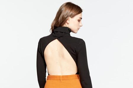Боди-водолазка с вырезом на спине от российского бренда Oh, my  - носим и не стесняемся