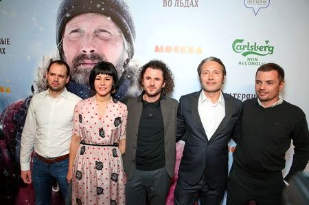 Состоялась премьера фильма-участника Каннского кинофестиваля «Затерянные во льдах
