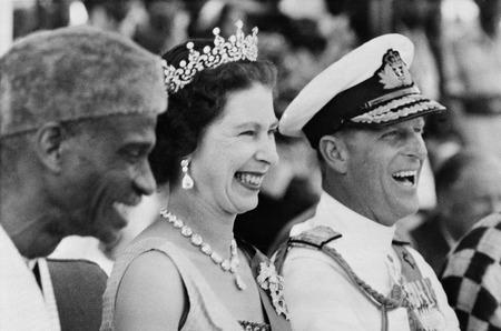Стиль британской короны в одном курсе